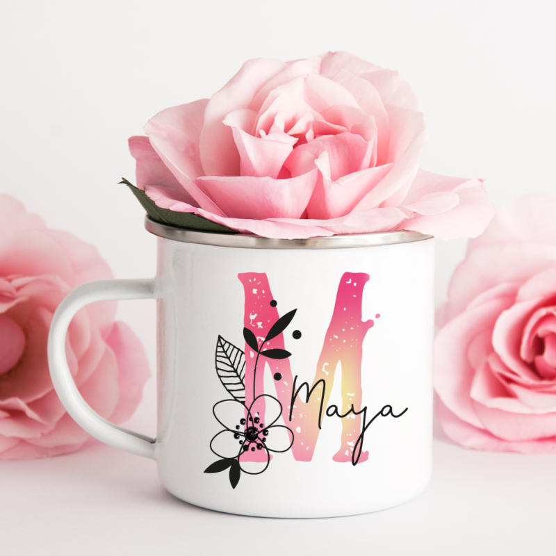 Buchstabentasse, Florale Buchstaben auf Tasse, Emaille Tasse personalisiert, Geschenkidee zum Geburtstag, Tasse mit Name und Initiale, Buchstabe Name Blume, Bedruckte Tasse, Buchstabentasse Geschenk, Emaille-Tasse mit Namen, Tasse mit Blumen, personalisierte Tasse Blumen, Geschenk Mama, Geschenk Freundin, Tasse mit Name und Blumen, Tasse mit Buchstaben und Blumen, Geschenkidee mit Blumen