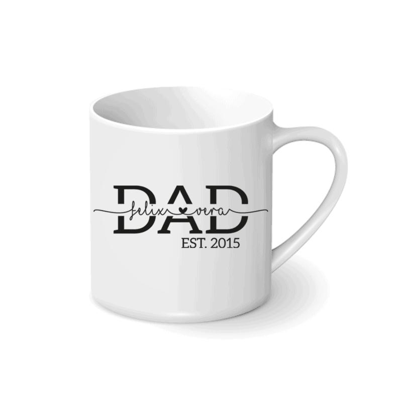 personalisierte Tasse mit Kindernamen Du bist auf der Suche nach einem wunderschönen, persönlichen Geschenk zum Vatertag oder vielleicht zu Weihnachten oder dem Geburtstag? Wir bieten euch personalisierte Tassen an für euren Papa. Unsere personalisierte Papa Tasse mit Kindernamen kannst du perfekt in Szene setzen: Befülle die Tasse mit einem weiteren Geschenk. So wird sie bestimmt zu einem Hingucker am Mittagstisch. Die Tasse weißt eine robuste Optik auf.